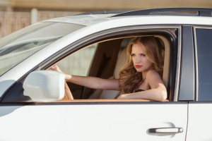 beautiful-woman-driving